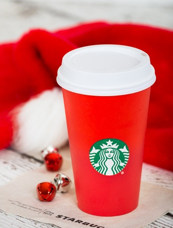 Reactions to the Red Starbucks Coffee Cup Choice (This Season's Controversy)